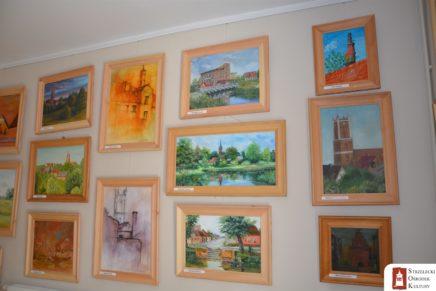 """W Ośrodku Kultury otwarto wystawę """"Przyroda i architektura Gminy Słońsk"""""""